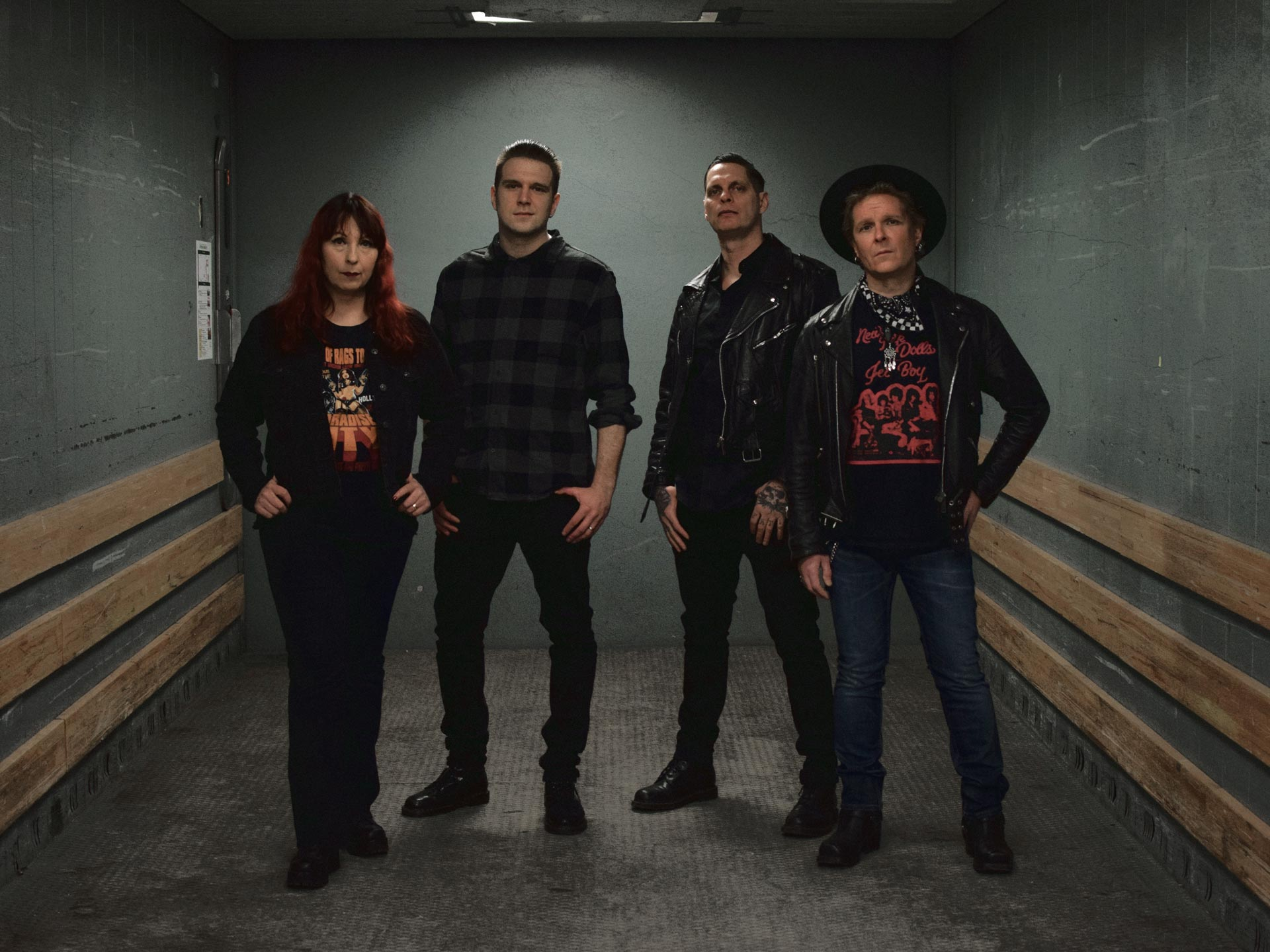 Daggerplay: Sirpa Immonen (Drums), Tommi Luostarinen (Guitar, vocals), Bryan Ugartechea (Bass, backing vocals) & Pekko Mantzin (Lead Vocals, Guitar)